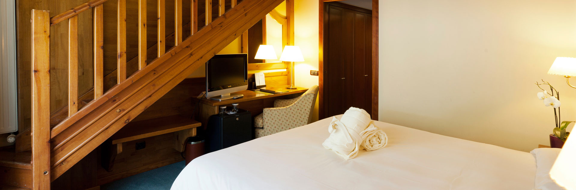 book online 4* hotel at the foot of the slopes